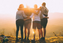 Groupe d'amis polyglottes