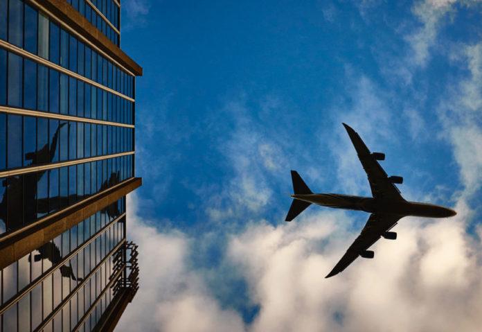 prendre l'avion à l'étranger