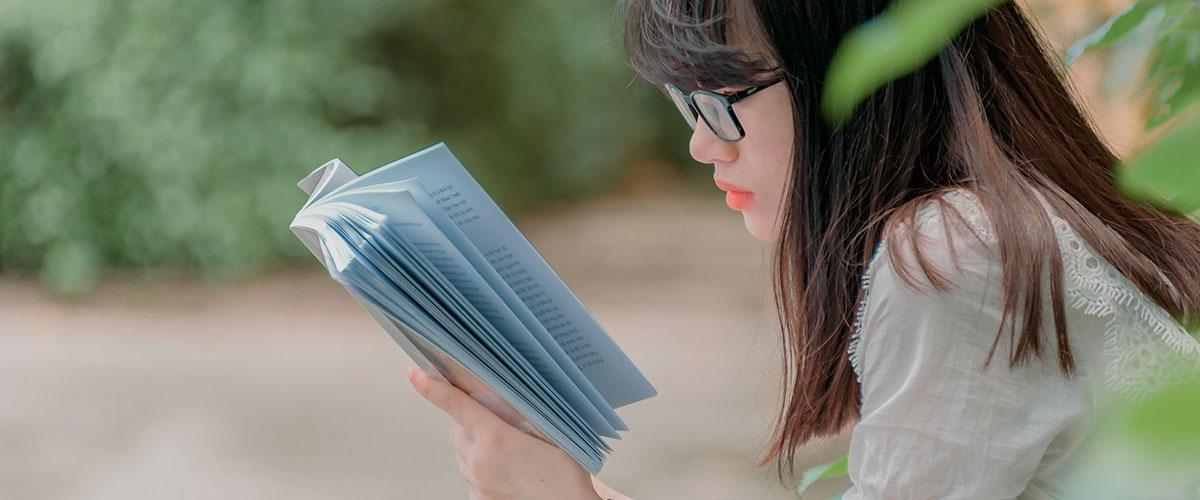 Lire pour rester motivé en apprenant l'anglais