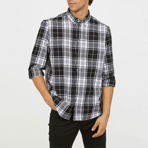 S'habiller en jean et chemise