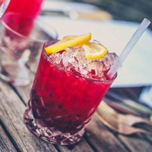 Boire un cocktail